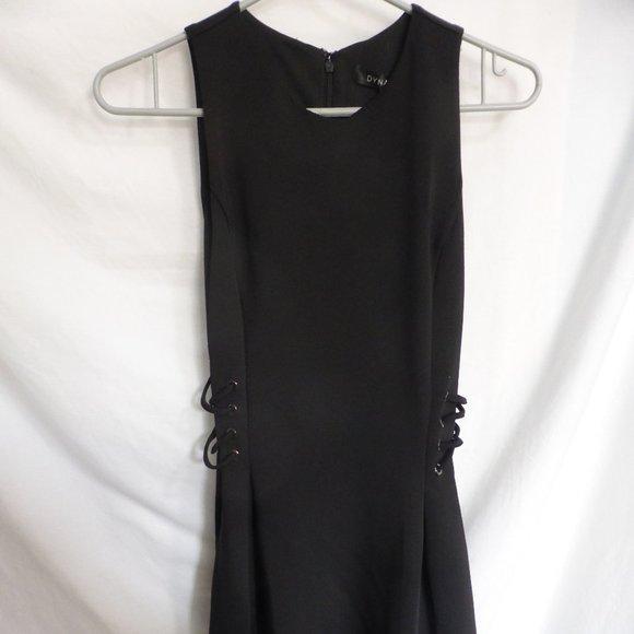 DYNAMITE, xs, robe lace up flare dress jet black